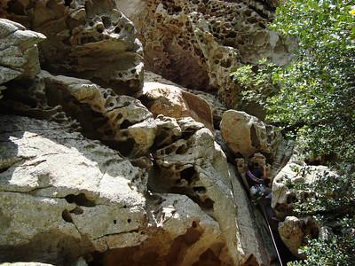 l'escalade est très impressionnante et particulièrement raide... le premier pas est morpho...