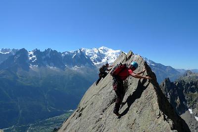 ...Mais il faut se ressaisir car le sommet n'est pas tout proche... Ici LA longueur la plus esthétique du monde dans ce style...