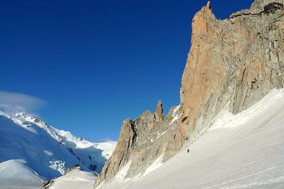 Un peu de monde en pleine saison !!!! On voit les grimpeurs dans la face !
