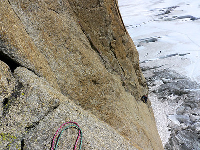 Là ça commence à être pas trop moche... Pureté des lignes, contaste, qualité de la grimpe...