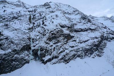 Vue imprenable sur le versant d'en face, la rive droite, avec l'attaque de Cold Couloir à droite...