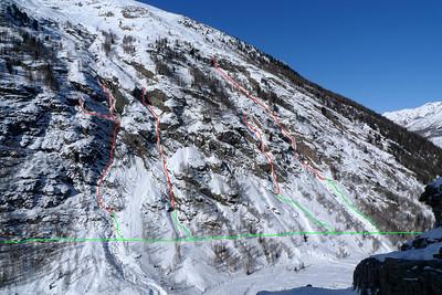Cogne-Valeille ( Lillaz ) - Itinéraires RG: Fénilliaz (4 max); Chandelle Levure (4+ bien raide); Candellabre del Coyote (4+/5); Tüborg (4+/5). Un peu plus à Gauche, une autre cascade encaissée en 4... comptez 1/2 heure de marche en plus.