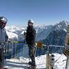 Em hiver, l'arête est équipée de cordes... Michel et Thomas sont contents de voir (enfin) une journée parfaite !