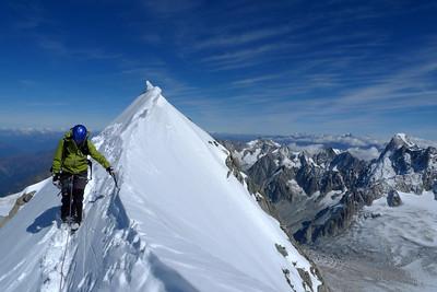 L'arête finale ajoute à la course ce zest Haute-Montagne engagée... et l'impression de grande course...
