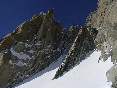 On arrive à ski exactement au pied de la goulotte, même pas de montée !!!