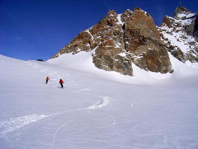 Approche par la vallée blanche et le col du Midi...