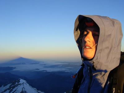 Oh oui, c'est mieux ! On aperçoit l'ombre du Mt Blanc dans la Vallée...