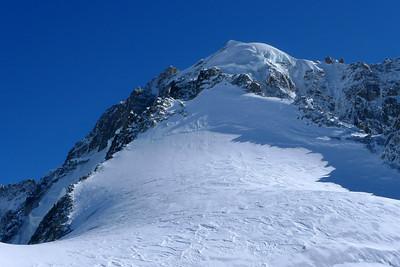 Notre sommet, un peu en dessous à gauche de la Verte.