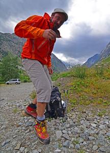 Le Guide, en pleine forme, a oublié sont pantalon de montagne... Ce sera donc en jeans ! - Photo Tristan