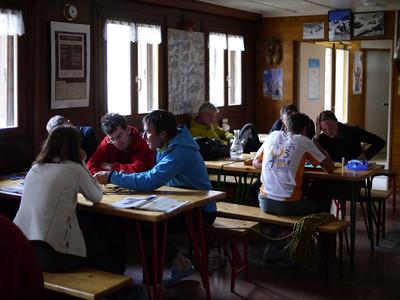 Refuge blindé, 40 personnes ! Wahou ! à coté de Chamonix ça contraste avec les 160 personnes des cosmiques !