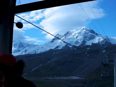 """Nous partons donc pour la grande traversée du Klein Matterhorn à la Pointe Dufour, itinéraire communément appelé """"les 4000 du Mt Rose""""..."""