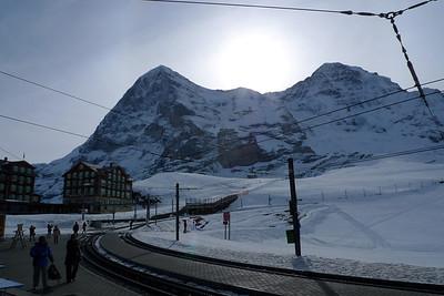 Nous prenons la célèbre Jungfraujoch, le petit train dans la montagne...