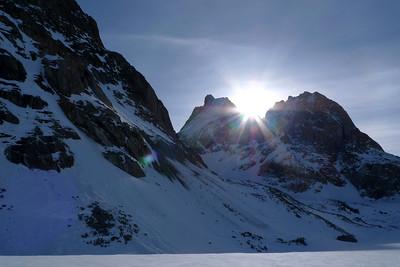 Le Fiescher Gabelhorn, au pied duquel à droite, le Refuge Konkordiahütte...