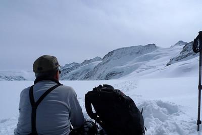 Hideo contemple peu être ses derniers panoramas... La retraite du ski ?