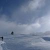 Du col, on part plein Est jusqu'au sommet... Orientation problématique par temps de brouillard, mais peu être formateur...
