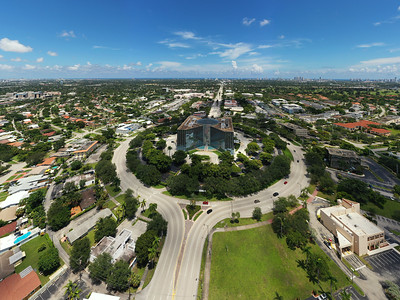 Beautiful aerial photo of the Regus Building Florida Hollywood Presidential Circle
