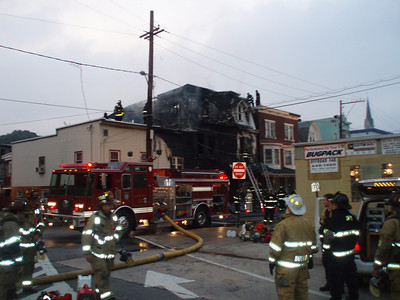 SHAMOKIN CITY STRUCTURE FIRE 9-23-08 PICTURES BY COALREGIONFIRE