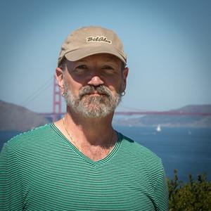 Patrick in front of the Golden Gate Bridge