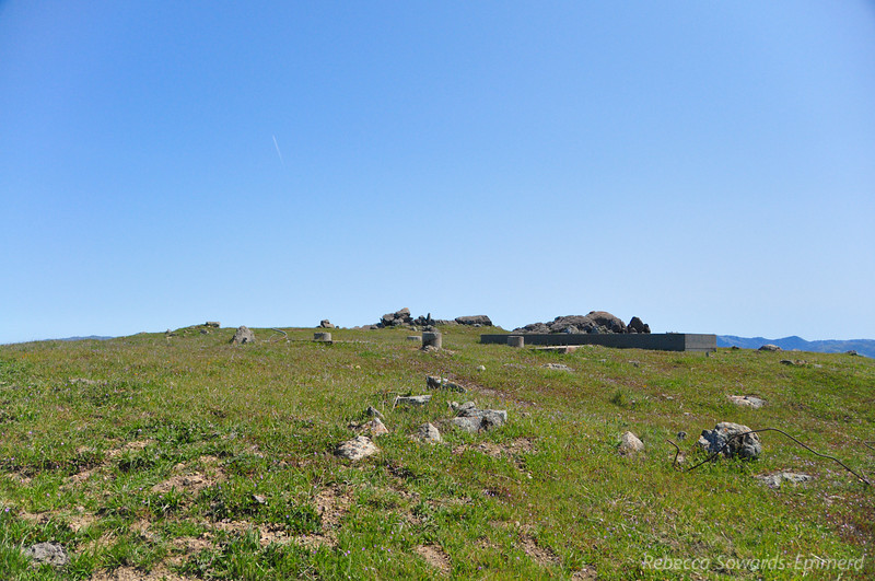 The rather unremarkable summit of Monument Peak