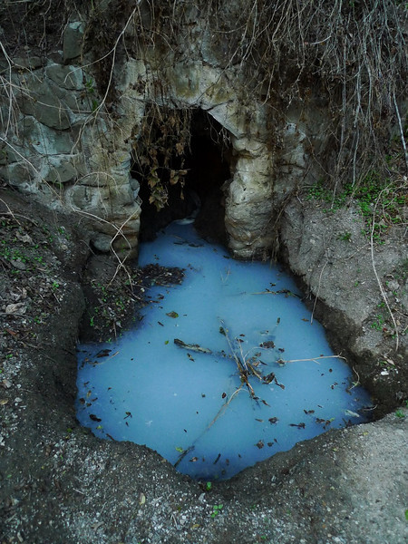 Opalescant mineral pools