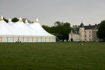 Chapiteau et chateau