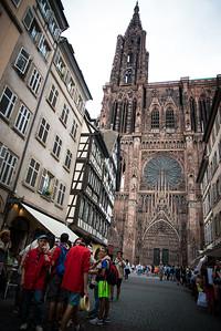 La cathédrale de Strasbourg voit rouge !