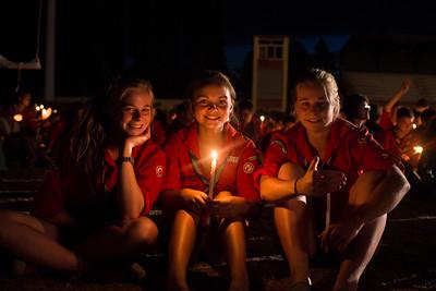 Pendant les veillée, à la lueur de bougies