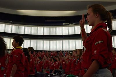 Hymne européen et salut scout