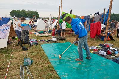 Nettoyage des tapis de sols, vidage des sacs, séchage.