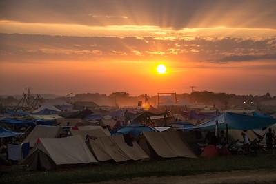 Le soleil se couche sur le Jamboree