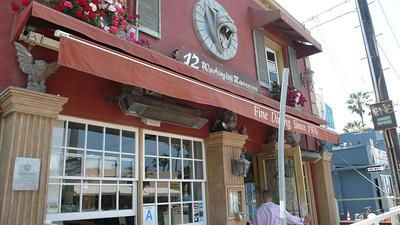 12 West Washington - Restaurant