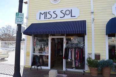 MISS SOL - NEWHALL
