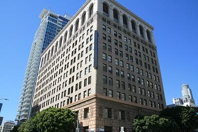 315 W 9th Street - Location Portal