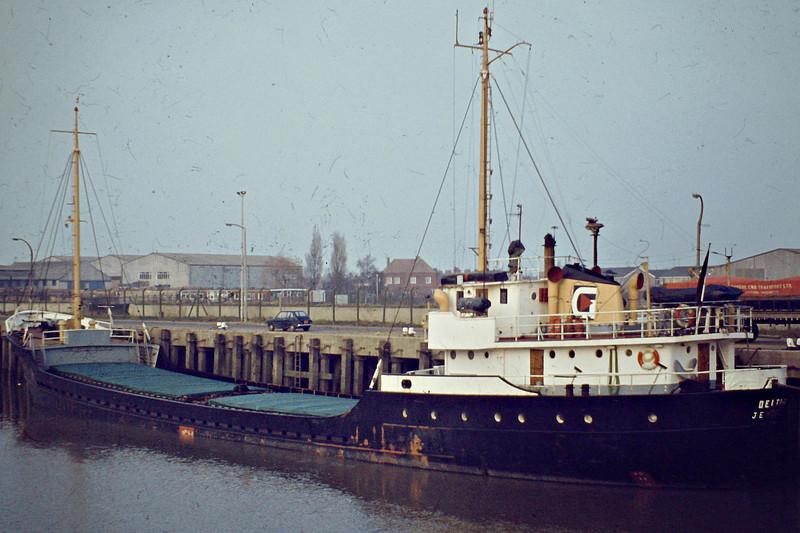 1976 to 1987 - DELTA-G - Cargo - 500GRT/818DWT - 57.5 x 9.0 - 1958 Scheeps Amels, Makkum, No.211 as DELTA (1958-76) - 10/05/87 sank off Varberg, Landskrona for the Humber with fertiliser - Wisbech, 01/83.
