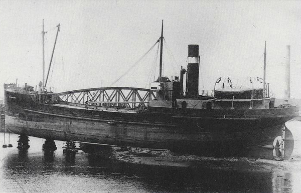 1921 to 1932 - ABINGTON - Cargo - 411GRT - 44.2 x 7.3 - 1921Brown's Shipbuilders, Hull, No.3 - 1932 CONISTER - 01/65 broken up at Dalmuir.