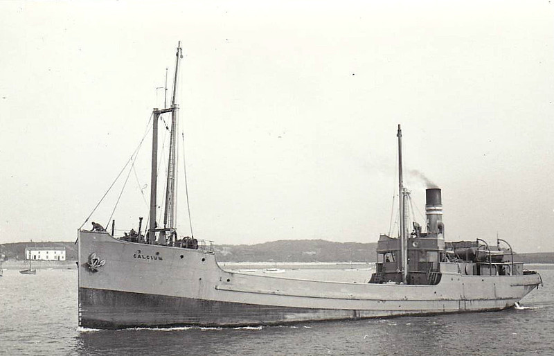 1918 to 1940 - CALCIUM - Cargo - 613GRT - 55.0 x 8.6 - 1918 George Brown & Co., Greenock, No.102 - 30/12/40 sunk by mine 5nm north of Ryhl, Fleetwood for Llandulas in ballast.