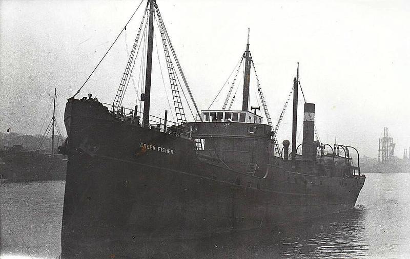 1920 to 1940 - CREEK FISHER - Cargo - 747GRT - 55.0 x 8,8 - 1918 Scheeps van Duivendijk, Lekkerkerk, No.Z17 as OTTERDAL (1918-20) - 1940 ROSEHILL, 1951 LYNTRE, 1952 CARTHEW, 1956 HOLDERNIDD - 02/58 broken up at Blyth.