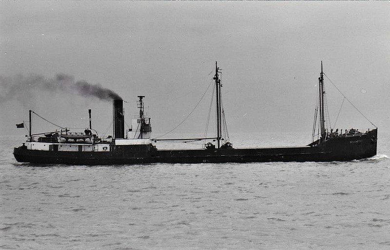 1925 to 1937 - YEWHILL - Cargo - 572GRT - 53.5 x 8.2 - 1914 Ardrossan Dockyard Co., No.257 as SPORTSMAN (1914-25) - 1937 SOUTHPORT - 23/11/55 in collision with READY (Trinity House) in Gravesend Reach, Antwerp for London with corn, 02/56 broken up at Grays - seen here as SOUTHPORT (GBR).