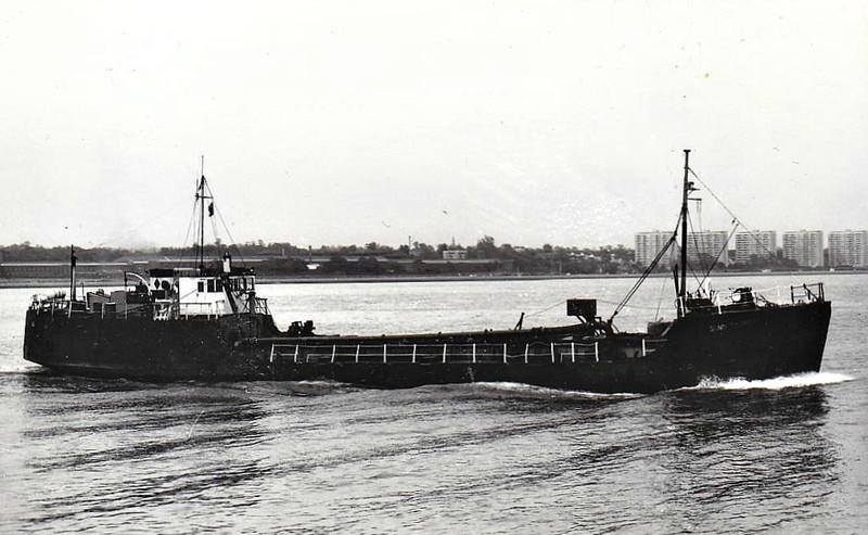 1947 to 1970 - SAND SKIPPER - Suction Sand Dredger - 313GRT/350DWT - 45.4 x 6.6 - 1943 Richard Dunston & Co., Hessle, No.395 as EMPIRE SKIPPER (1943-47) - 1947 converted to suction dredger and renamed SAND SKIPPER - 07/70 broken up at Southampton.