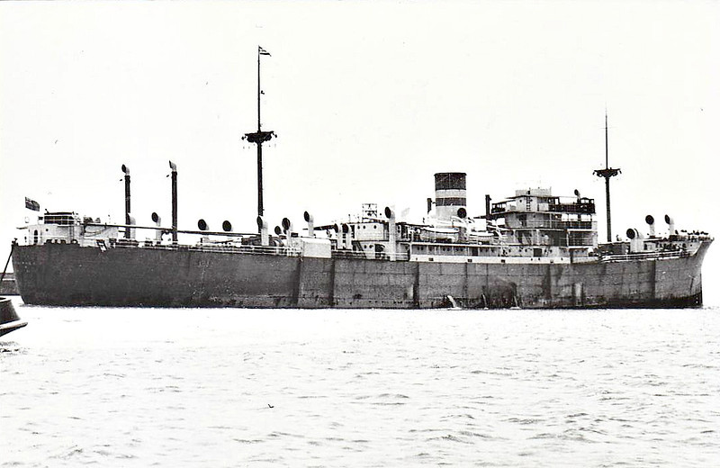 1930 to 1942 - SILVERWILLOW - Cargo - 6373GRT/9766DWT - 137.4 x 18.7 - 1930 JL Thompson & Sons, North Sands, No.568 - 30/10/42 torpedoed and damaged in Convoy SL125 west of the Canary Islands by U409, 05/11/42 abandoned, 11/11/42 sank.