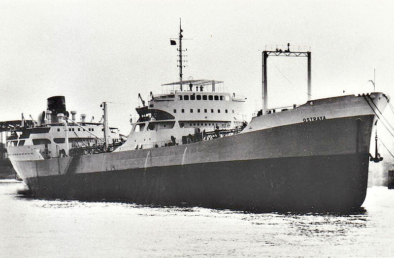 1959 to 1965 - OSTRAVA - Tanker - 13339GRT/20192DWT - 170.7 x 21.9 - 1959 Brodogradiliste Uljanik, Pula, No.220 as ISTINA (1959) - 1965 HONG HU, 1973 DA QING 230 - 1992 deleted from Lloyd's Register, existence in doubt.