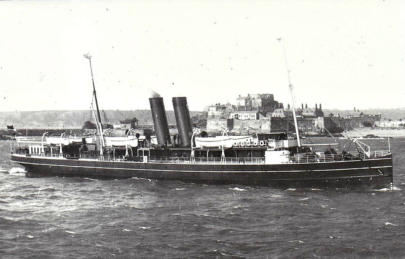 1897 to 1928 - REINDEER - Passenger - 1281GRT - 85.3 x 10.5 - 1897 Vickers & Co., Barrow, No.257 - 717 passengers - Weymouth/Channel Islands service - 10/14 to Royal Navy as Minesweeper, based Mudros, 06/06/15 rammed and sank IMMINGHAM (GCR) near Mudros, 02/20 returned to service - 11/28 broken up at Briton Ferry