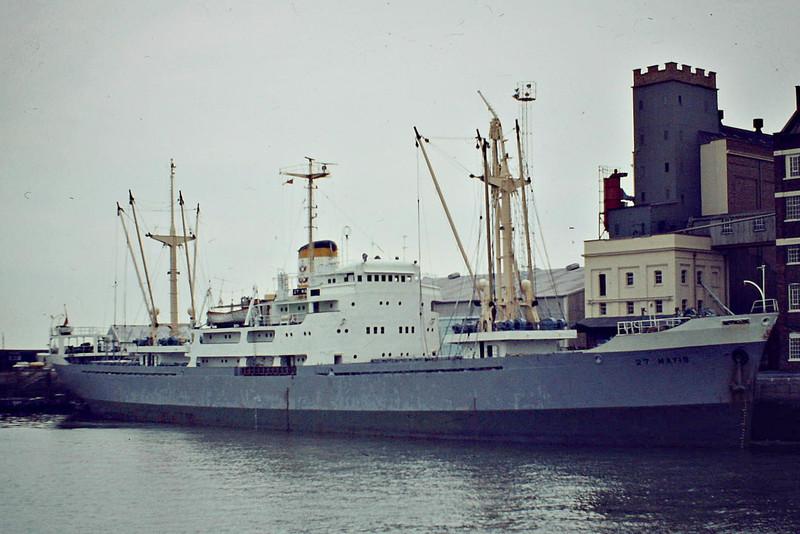 27 MAYIS (Istanbul) - IMO5371466 - Cargo - TKY/5256/61 Nipponkai Zosensho, Toyama. No.91 - 106.6 x 15.0 - DB Deniz Nakliyati - 07/92 broken up at Aliaga - Felixstowe, loading cargo in the Dock, 08/84.
