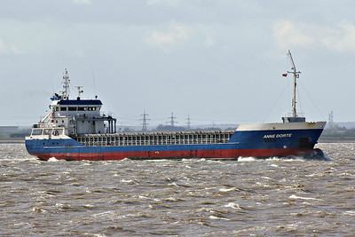 ANNE DORTE (Rotterdam) - IMO9466233 - Cargo - NLD/3500/11 Anqing Zhuoyang Shipyard, No.3/06/3500 - 88.3 x 12.9 - W&R Shipping, Zwijndrecht - Paull, inward bound for Alexandra Dock from Sheerness, 08/04/14.