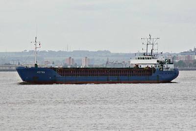 ASTRA (St Johns) - IMO9041318 - Cargo - 2416GRT/3582DWT - 85.0 x 13.0 - 1993 Ganz Danubius Shipyard, Budapest, No.2540 - Astramar Shipping, Riga - Paull, outward bound from Gunness for Liepaja, 19/06/14.