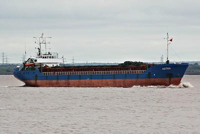 ASTRA (St Johns) - IMO9041318 - Cargo - 2416GRT/3582DWT - 85.0 x 13.0 - 1993 Ganz Danubius Shipyard, Budapest, No.2540 - Astramar Shipping, Riga - Paull, inward bound for Gunness to load, 18/06/14.