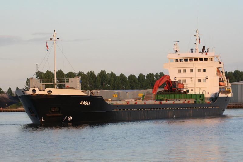 AASLI (Haugesund) - IMO9060778 - Cargo - NOR/6630/94 Scheeps Bodewes, Hoogezand, No.566 - 100.0 x 16.0 - Aasen Shipping AS, Mosterhamn - Terneuzen, outward bound from Gent, 28/04/09 - to Gibraltar flag, 02/11.