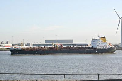 ADMIRAL (Gibraltar) - IMO9234616 - Tanker - GIB/23998/02 Brodogradiliste 3 Maj, Rijeka, No.680 - 168.0 x 26.4 - Carl Buttner Tankers, Bremen - Northfleet, inward bound for Vopak Terminal No.1, 19/08/13.