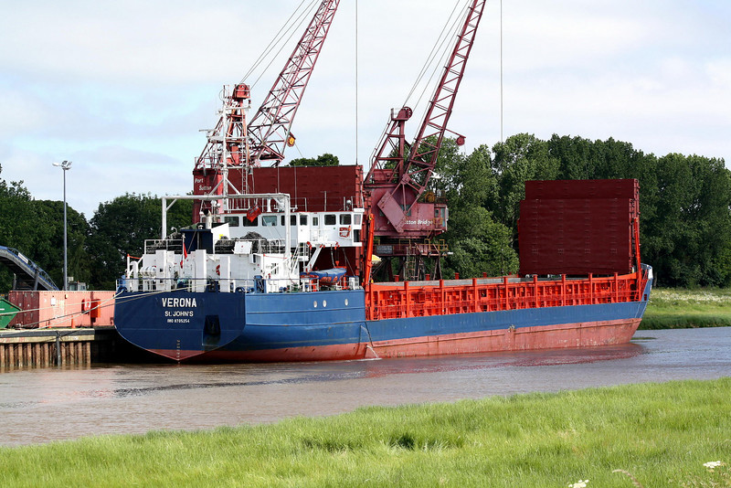 VERONA (St Johns) - IMO8705254 - Cargo - ATG/2735/88 Schiffs C Cassens, Emden, No.174 - 82.0 x 12.7 - FORSA, Klaipeda - Port Sutton Bridge, unloading fertiliser, 17/06/10.