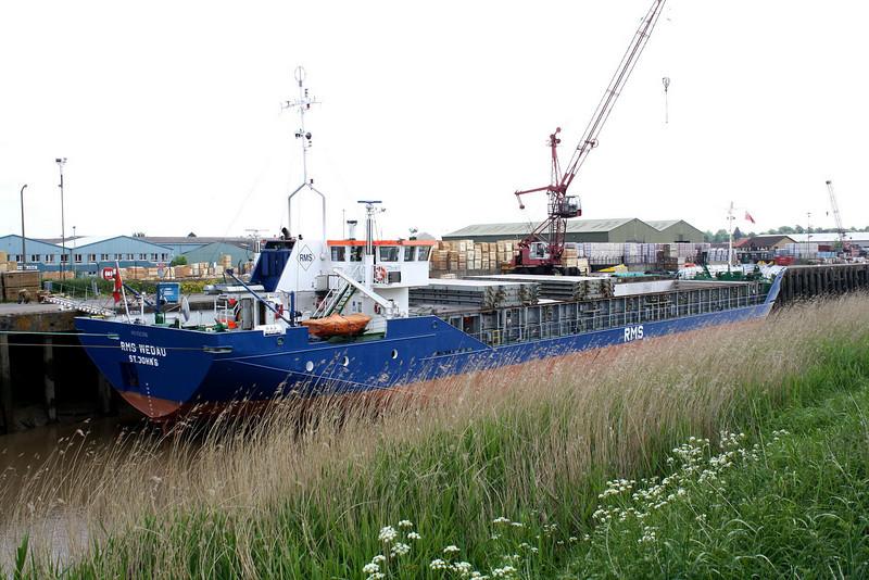 RMS WEDAU (St John) - IMO8503096 - Cargo - ATG/2313/85 Schiffs Hugo Peters, Wewelsfleth, No.610 - 82.5 x 11.4 - Rhein Maas & See Schiffs - Wisbech, unloading bricks from Aalst, 25/05/10.